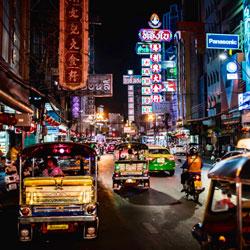 Enter-the-Dragon--Siam-Ratree-Bangkok-Bicycle-night-tour-Follow-Me