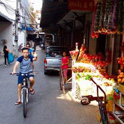 Local-Delicacies-Siam-Chiva-Follow-Me-Bangkok-tours