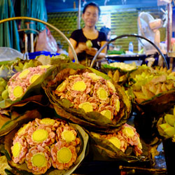 Pak-Khlong-Talat-Siam-Ratree-Bangkok-Bicycle-night-tour-Follow-Me